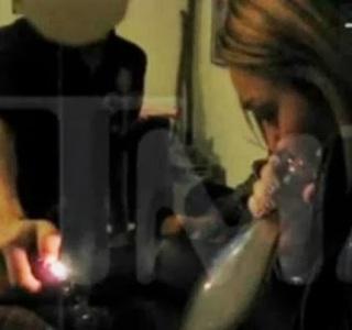 Miley-Cyrus-Esrar-Icerken-1-430x404.jpg